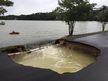 a dam that is in danger of breeching in Columbia, SC